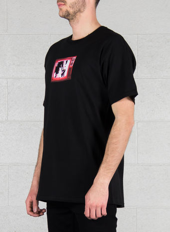 T-SHIRT SCRAMBLED TV LOGO TEE, BLACK, small